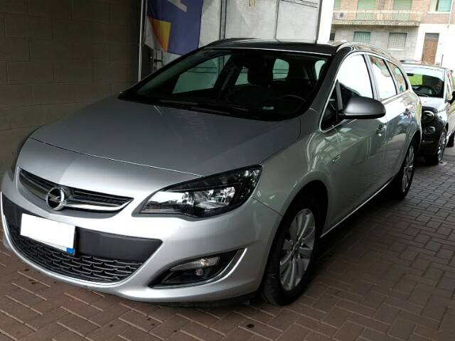Opel Astra 4ª serie Astra 1.6 CDTI EcoFLEX S&S Sports Tourer Cosmo