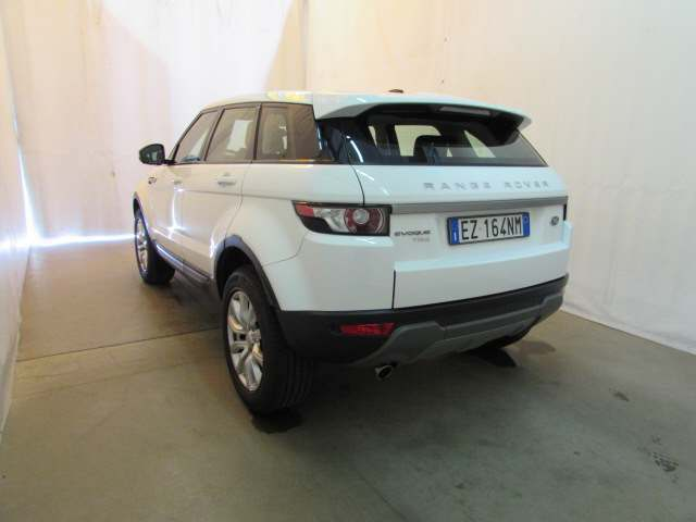 Foto 5 di Land Rover Range Rover Evoque 2.2 TD4 5p. Pure Tech Pack