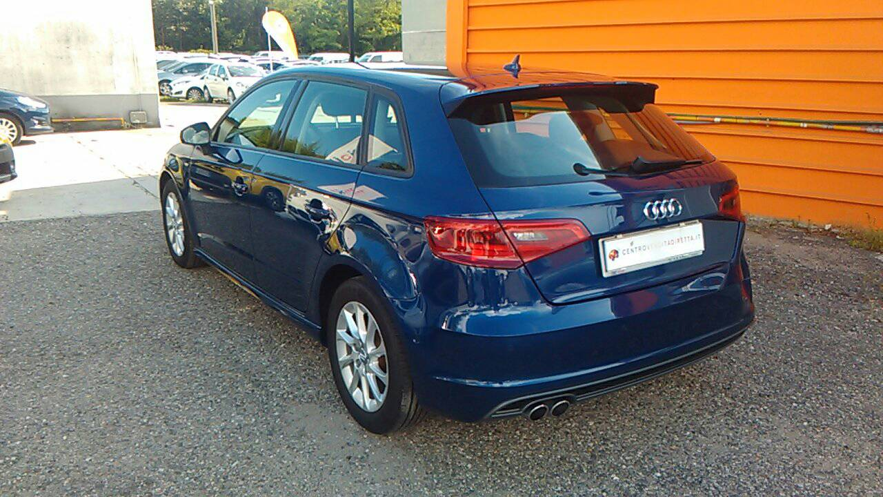 Foto 4 di Audi A3 3ª serie/S3 A3 SPB 2.0 TDI Attraction