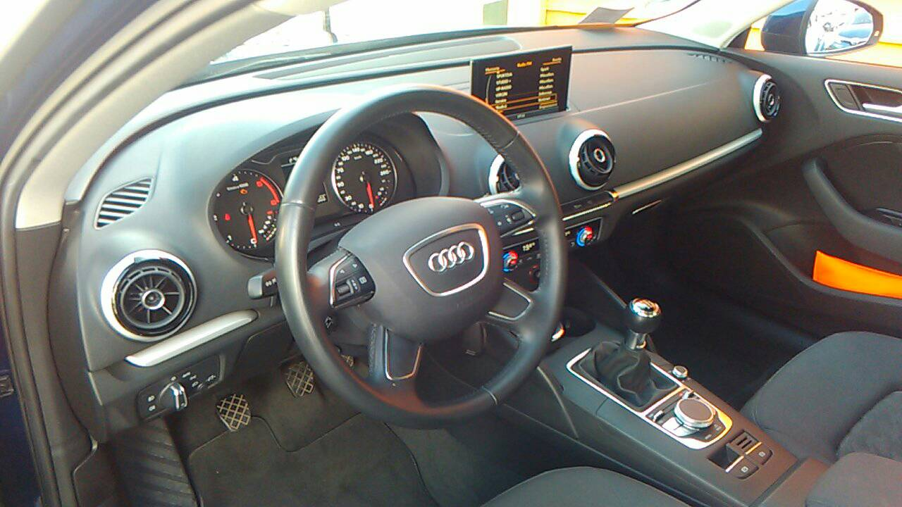 Foto 5 di Audi A3 3ª serie/S3 A3 SPB 2.0 TDI Attraction