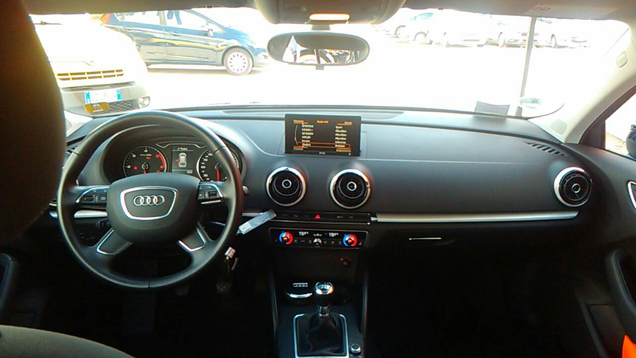 Foto 6 di Audi A3 3ª serie/S3 A3 SPB 2.0 TDI Attraction