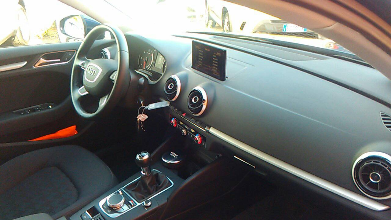 Foto 9 di Audi A3 3ª serie/S3 A3 SPB 2.0 TDI Attraction