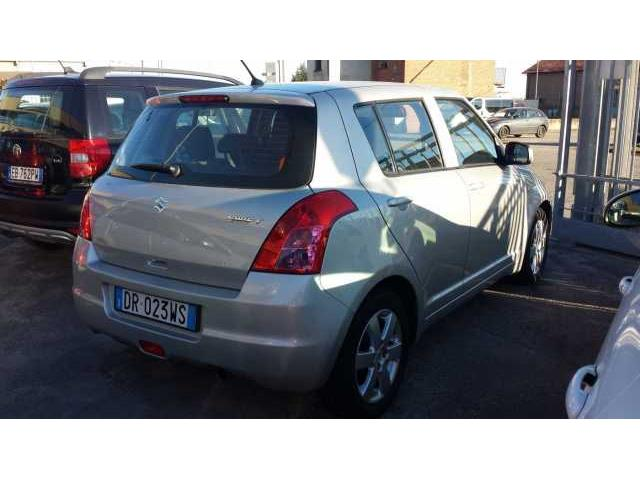 Foto 3 di Suzuki Swift (2005-2010) 1.3 5p. GL